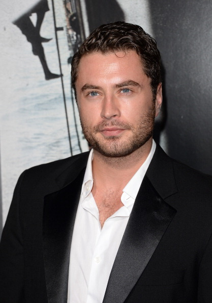 "Jason Phillips「Premiere Of Columbia Pictures' ""Captain Phillips"" - Arrivals」:写真・画像(13)[壁紙.com]"