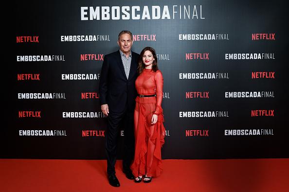 Letter T「'Highwaymen' By Netflix -  Madrid Premiere」:写真・画像(10)[壁紙.com]