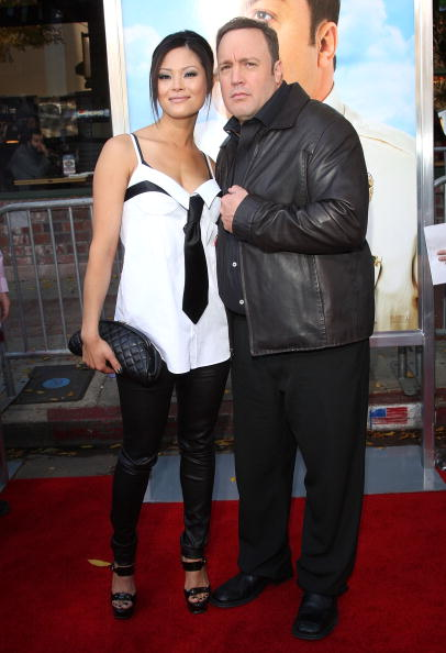 """Leather Jacket「Premiere Of Columbia Pictures' """"Paul Blart: Mall Cop"""" - Arrivals」:写真・画像(11)[壁紙.com]"""