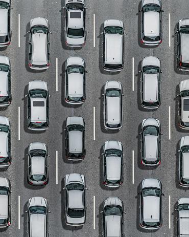 Dividing Line - Road Marking「Silver cars on asphalt street, Aerial View」:スマホ壁紙(3)