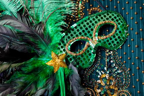 Period Costume「Mardi Gras mask on beaded green background.」:スマホ壁紙(13)