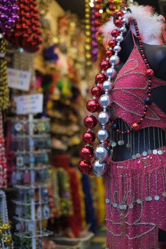 Gift Shop「Mardi Gras store in New Orleans' French Quarter」:スマホ壁紙(12)