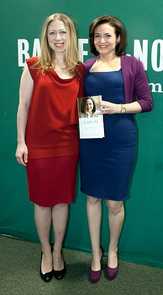 Allison Joyce「Facebook COO Sheryl Sandberg And Chelsea Clinton Discuss Women In Business」:写真・画像(5)[壁紙.com]