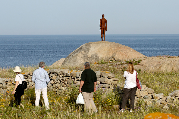 Mykonos「The Opening Of Anthony Gormley - 'SIGHT' On The Archaeological Site Of Delos」:写真・画像(0)[壁紙.com]