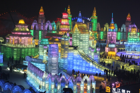 Harbin Ice Festival「The 30th Harbin International Ice & Snow Sculpture Festival - Opening Ceremony」:写真・画像(16)[壁紙.com]