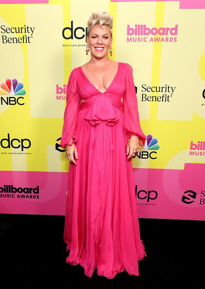 Pink Color「2021 Billboard Music Awards - Backstage」:写真・画像(2)[壁紙.com]