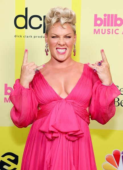 Pink Color「2021 Billboard Music Awards - Backstage」:写真・画像(0)[壁紙.com]