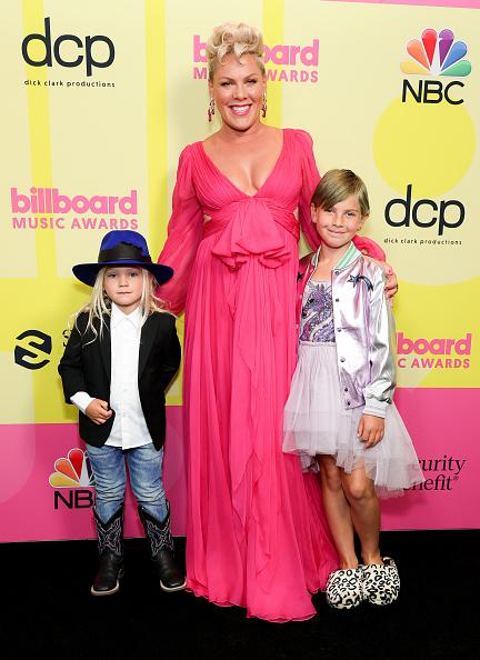 Pink Color「2021 Billboard Music Awards - Backstage」:写真・画像(4)[壁紙.com]