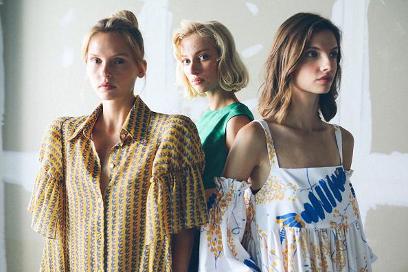 Fashion Model「Mehtap Elaidi - Backstage - Mercedes-Benz Fashion Week Istanbul - October 2020」:写真・画像(11)[壁紙.com]