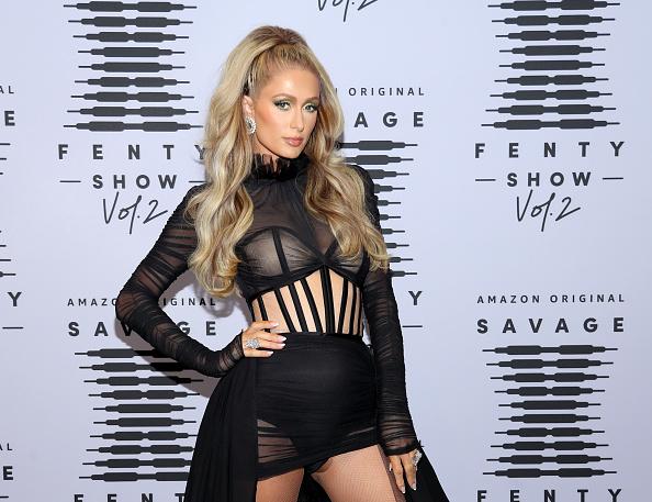 Paris Hilton「Rihanna's Savage X Fenty Show Vol. 2 presented by Amazon Prime Vide – Step and Repeat」:写真・画像(8)[壁紙.com]