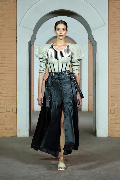 Black Skirt「Karma - Runway- Mercedes-Benz Fashion Week Istanbul - October 2020」:写真・画像(16)[壁紙.com]