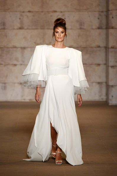 High Low Dress「Cihan Nacar - Runway - Mercedes-Benz Fashion Week Istanbul - October 2020」:写真・画像(13)[壁紙.com]
