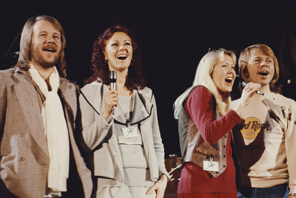 Pop Musician「Abba At UNICEF Concert」:写真・画像(11)[壁紙.com]