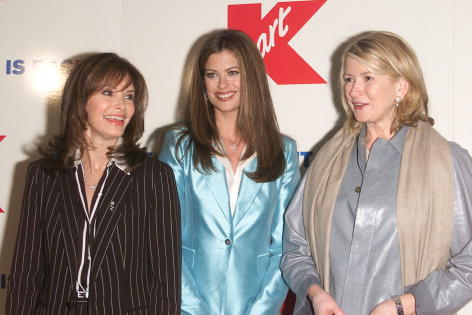 Jaclyn Smith「Kmart Bluelight Celebration」:写真・画像(4)[壁紙.com]
