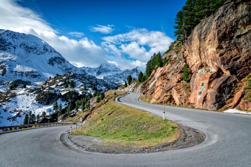 Hairpin Curve「Mountain road in the Kaunertal」:スマホ壁紙(12)