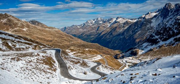 Hairpin Curve「Mountain road in the Kaunertal」:スマホ壁紙(4)