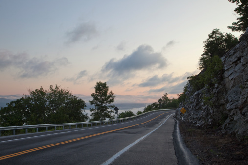 Crash Barrier「mountain roadway at dawn」:スマホ壁紙(11)