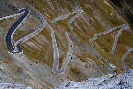 Steep「Mountain Road Curve, Stelvio Pass.」:スマホ壁紙(6)