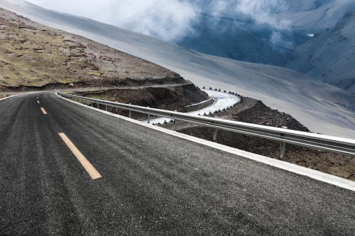 Mountain Road「Mountain road in Tibet, China」:スマホ壁紙(19)