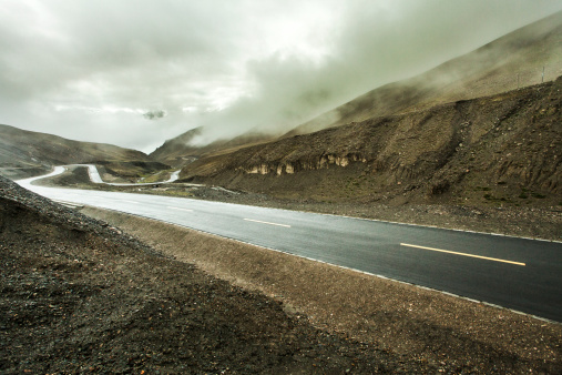 Hairpin Curve「Mountain road in Tibet, China」:スマホ壁紙(10)