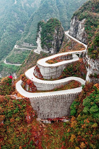 Steep「Mountain road in Tianmen Mountain National Park, Zhangjiajie, China」:スマホ壁紙(9)