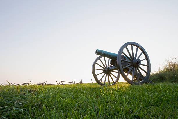Old cannon:スマホ壁紙(壁紙.com)
