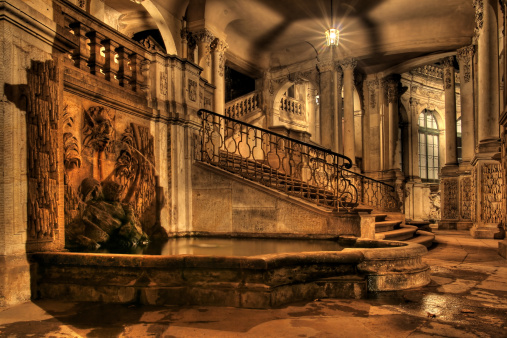 Old-fashioned「Dresdner Zwinger - Dresden / Germany ( HDR )」:スマホ壁紙(0)
