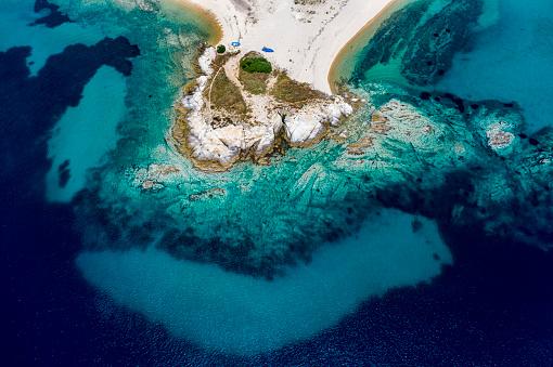 Halkidiki「Greece, Sithonia, Aerial view of Ema Beach in summer」:スマホ壁紙(9)