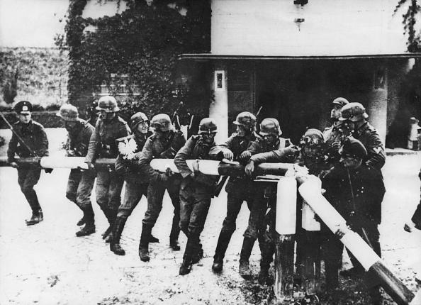 Beginnings「Poland Invaded」:写真・画像(5)[壁紙.com]