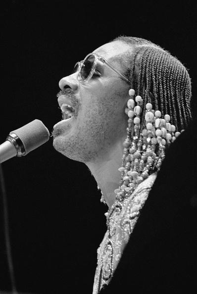 Funky「Stevie Wonder」:写真・画像(5)[壁紙.com]