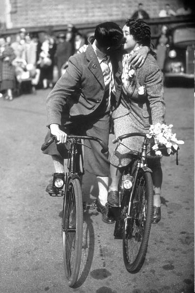 Couple - Relationship「Cycle Kiss」:写真・画像(16)[壁紙.com]