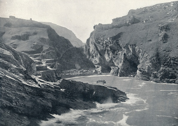 Bay of Water「Tintagel - Showing King Arthurs Castle, 1」:写真・画像(8)[壁紙.com]