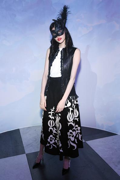 クリスチャンディオール「'Le Bal Surrealiste' Dior - Paris Fashion Week - Haute Couture Spring Summer 2018」:写真・画像(17)[壁紙.com]