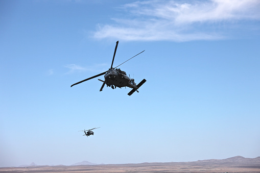 Helicopter「HH-60G Pave Hawks flying above the Playas Training Area, New Mexico.」:スマホ壁紙(19)