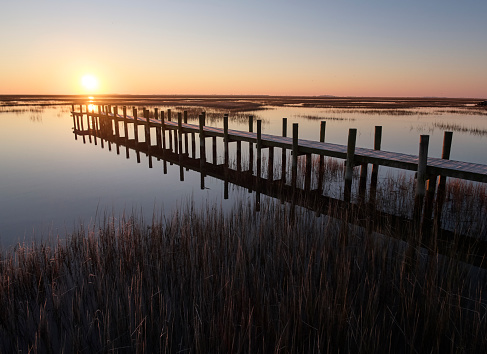 The Nature Conservancy「USA, Virginia, Aerial view of Virginia Coast Reserve, pier at sunset」:スマホ壁紙(7)