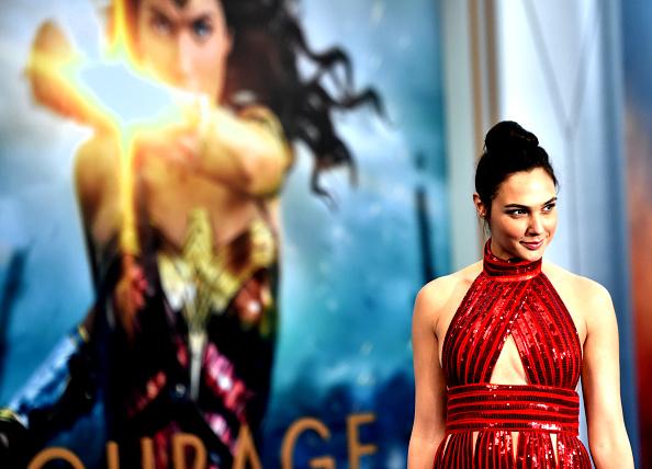 """Gal Gadot「Premiere Of Warner Bros. Pictures' """"Wonder Woman"""" - Arrivals」:写真・画像(12)[壁紙.com]"""