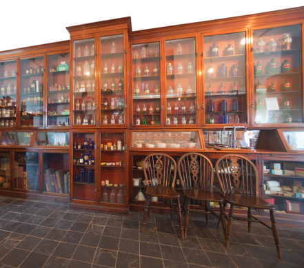 19th Century「Early Victorian Apothecary's Shop」:スマホ壁紙(4)