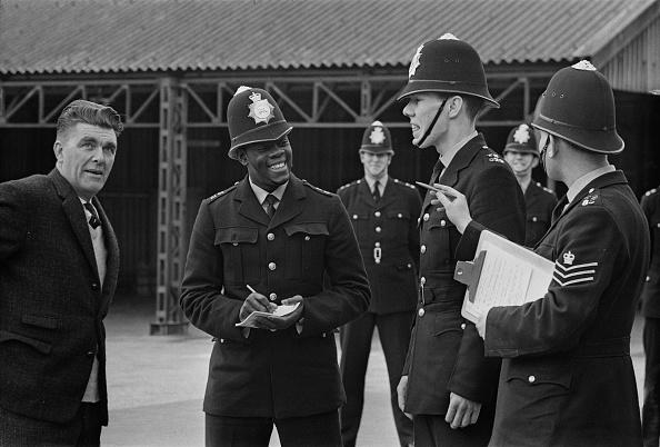 Note Pad「Hendon Police College, London」:写真・画像(6)[壁紙.com]