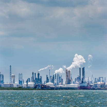 Gulf Coast States「petroleum chemical oil processing refinery plant, Texas City industrial skyline」:スマホ壁紙(9)