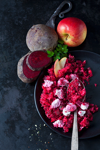 Turnip「Beetroot salad with durum wheat semolina, apple and soft goat cheese」:スマホ壁紙(11)