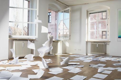 Wind「Papers blowing in wind indoors」:スマホ壁紙(14)