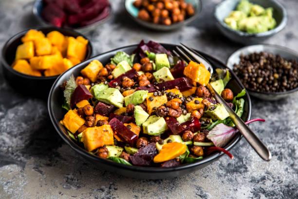 Superfood salad, avocado, beetroot, roasted chickpea, sweet potatoe, beluga lentil and blood orange:スマホ壁紙(壁紙.com)