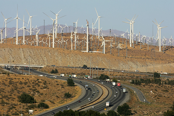 Wind Turbine「Report Claims 20 Percent Of US's Energy Could Come From Wind Power」:写真・画像(3)[壁紙.com]