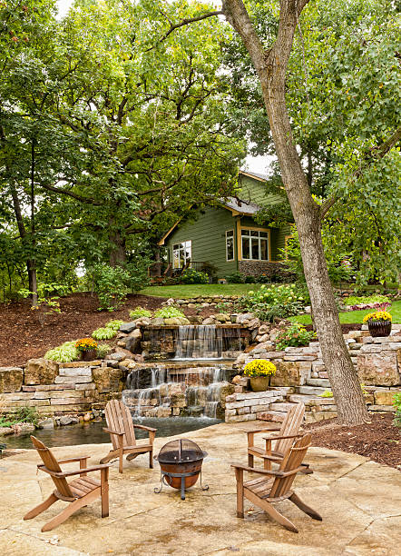 Landscaped Patio with Waterfall:スマホ壁紙(壁紙.com)