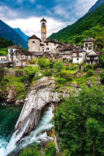 ティチーノ州「Lavertezzo ヴァレイ verzasca スイスの」:スマホ壁紙(19)