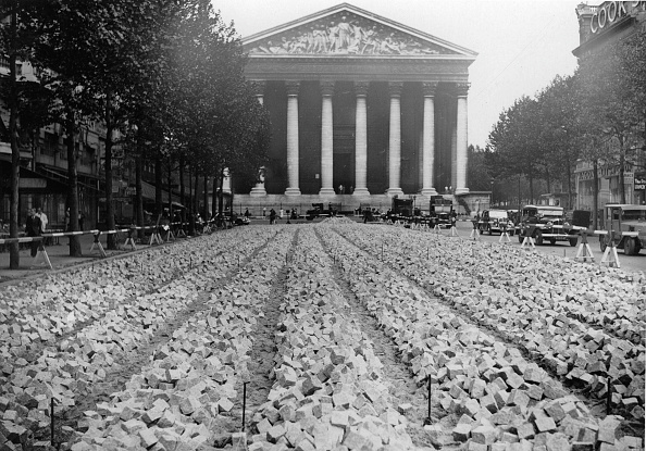 Footpath「New paving-stones for Paris, Photograph, Around 1920」:写真・画像(5)[壁紙.com]