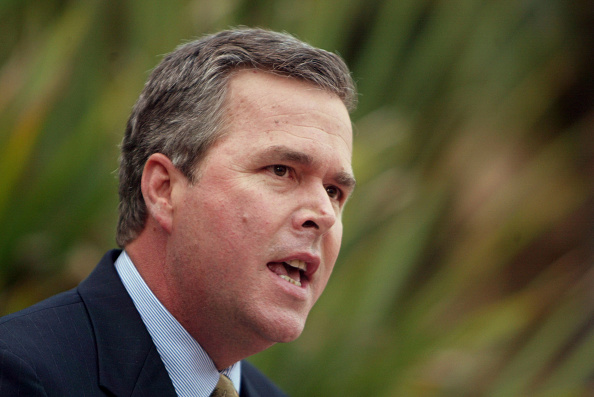 Jeb Bush「Governor Jeb Bush Presides Over Southern Republican Leadership Conference Dinner」:写真・画像(15)[壁紙.com]