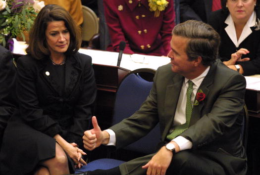 Tallahassee「Jeb Bush and Katherine Harris in State Capitol」:写真・画像(1)[壁紙.com]