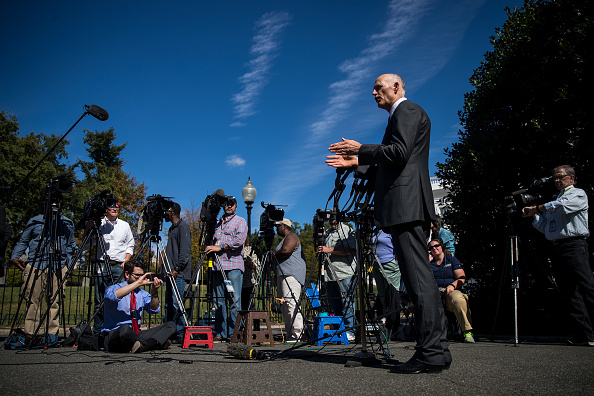 Politician「Florida Governor Rick Scott Speaks To The Media At The White House」:写真・画像(2)[壁紙.com]
