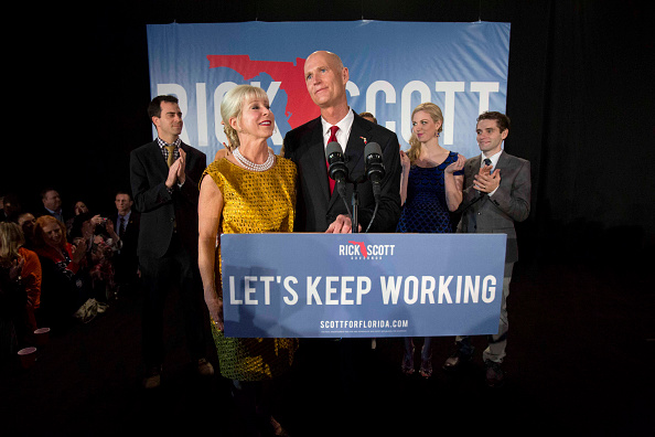 Bonita Springs「Gov. Rick Scott Gathers With Supporters On Election Night」:写真・画像(3)[壁紙.com]